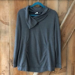 Thyme Maternity sweatshirt size medium